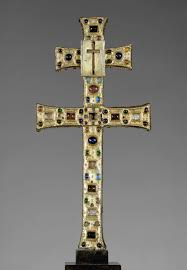 relics and reliquaries in medieval christianity essay reliquary cross