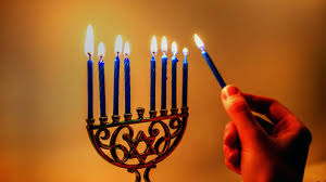 When Do You Light The First Hanukkah Candle 2017 How Do You Light The Menorah Popsugar Family