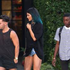 Kylie Jenner Tweaked Her Blue Hair Color From Turquoise to Peacock ...