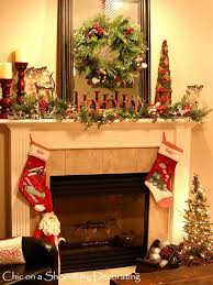 Image: Pinterest  christmas-fireplace-decorating-ideas-17
