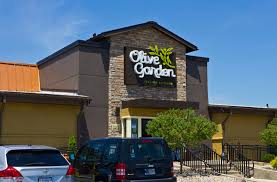 the company that owns olive garden just placed a 780 million bet on a tiny restaurant chain