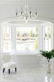 arched alcove with bay window tub