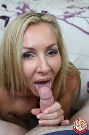 Lisa DeMarco hot MILF shows how to suck a big Cock Pichunter.