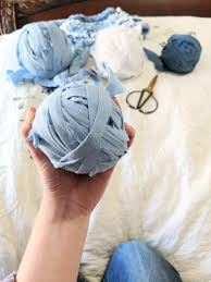 to give you an idea of size for this tutorial i just did a pillowcase it made a ball about the size of my hand whole sheets are fun they get