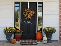 fall front door decorationsFall Decorating Ideas
