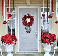 Outdoor Christmas Decorations Candy Canes 60 Ways to Take Christmas Onto Your Front Porch 33