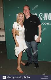 Candace Bushnell Candace Bushnell Bret Easton Ellis At In Store Appearance For