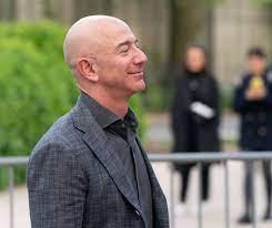 Jeff Bezos (Amazon) is richer than ...