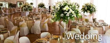 create eye catching wedding tables with round glass mirror centerpieces from this whole supplier in australia planning someone s most special day comes