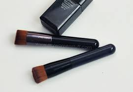 shiseido perfect foundation brush and shiseido 131 foundation brush