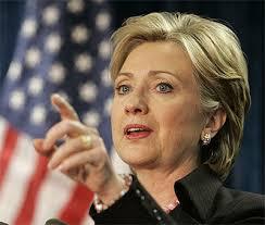 Die Frau der gelben Blazer: news.at nimmt Hillary Clinton modisch genau unter die Lupe - spezial_woman_neu_starstyle_stylecheck_stars_hillary_clinton_1