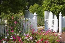 White fence ideas Horizontal Woodenfencewithgothicpointsandtallconvex Teidesoft 27 Breathtaking White Fence Ideas Garden Outline