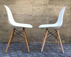 Original Und Fälschung Der Eames Plastic Chair Markanto