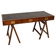 antique campaign style gany leather top desk at 1stdibs antique campaign desk