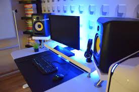 334 minimalist bedroom studio desk guide pro producers rh proproducers com ikea audio studio desk ikea studio desk diy