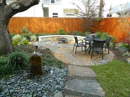 Fetching Rock Landscaping For Garden And House Backyard Decoration :  Fascinating House Backyard Decoration And Garden ...
