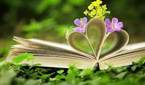 Resultado de imagen para imagenes de libros y flores