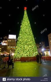 Sf Union Square Tree Lighting Christmas Tree In Union Square San Francisco Usa At Night