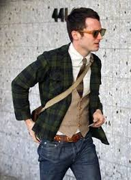 images?q=tbn:ANd9GcR6czTA8xVlyuko31afEDeeyL0Bc3rzfwGgy8m4AyaPTb9qz7Jg9w - How To Wear A Messenger Bag With A Suit For Men