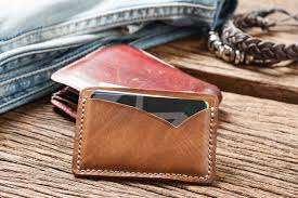 Unlike other brands, this one is made from durable carbon fiber materials. The 9 Best Minimalist Wallets Of 2021