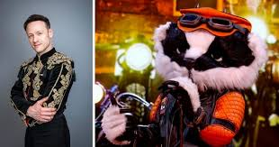 First airing on boxing day 2020, the masked singer will continue into early 2021 with 12 more famous faces singing classic tunes for judges jonathan ross, davina mccall, rita ora and new member mo gilligan, alongside host joel. Kevin Clifton Is Bookies Favourite To Be The Masked Singer S Badger Grimsby Live