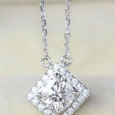 square shaped moissanite diamond pendant