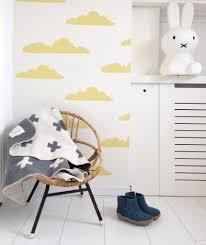 Roomblush Behang Gele Wolkjes En Roze Binnenkijker Babykamer Witte