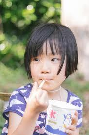 佐藤栞里の髪型画像まとめショートボブが可愛いちょっと奇抜