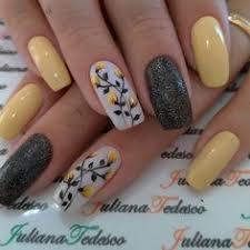 <b>Nails</b>