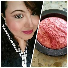 loved me the best has a beautiful blend of swirls of chagne pink berry tones it s finely milled with um pigmentation