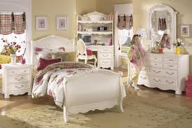 White Wash Finish Traditional Kids Bedroom wClassic Sleight Bed