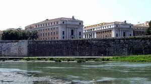 Lungotevere Vaticano - Wikipedia