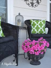 use regular spray paint on outdoor