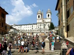 Einige unserer unterkünfte sind bereits ausgebucht. Piazza Di Spagna Autofrei Guten Morgen Aus Rom