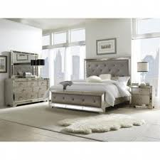 Zelen 4 Piece King Bedroom Set In Warm Gray