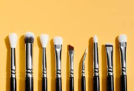 3 makeup artists share their favourite eye makeup brushes