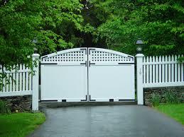 Picket Fence Driveway Gate Vinyl Picket Rolling Gate Fence Driveway