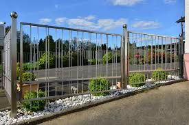 metal fence styles. Steal Fence Posts Support This Modern Metal Fence. Styles