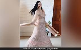 Instagram analyzer and viewer gramho. Amyra Dastur Dance On Tareefan Song Video Viral On Internet Amyra Dastur न तर फ स न ग पर य झ मकर क य ड स ब र ब र द ख ज रह Video