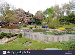 Disney Landscape Design Landscaping At The Epcot Center At Walt Disney World Theme