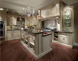 Traditional Luxury Kitchens Traditional Luxury Kitchen Design With Black And White Interior