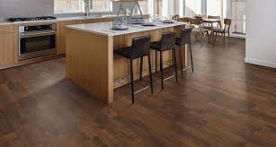 our stunning crest ridge hickory floor from pergo is truly impressive a dramatic bination of multi width planks a deep embossed texture