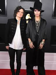 Linda Perry and Sara Gilbert Are 'Evolving Into Something Else' | PEOPLE.com
