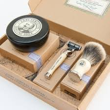 captian fawcetts shaving box gift set2