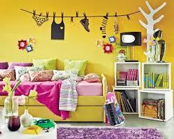 Resultado de imagem para parede amarela quarto