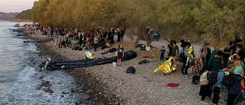 Image result for εικόνες πρόσφυγες με βάρκες