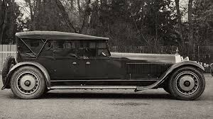 £15,345,000 $20,376,595 also known as royale, the bugatti type 41 is one of the largest cars in the world, measuring 169.3 inches in wheelbase and 252 inches in overall length. Bugatti Legends Type 41 La Royale A Royal Vehicle Motors Actu