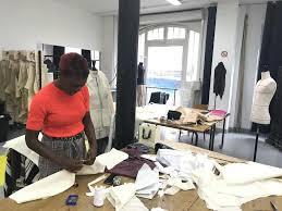 Devenir Designer De Mode Comment Devenir Designer De Mode Ou Styliste Letudiant