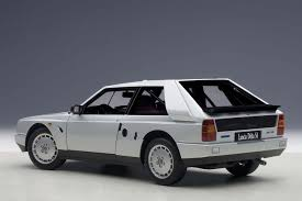 Highly detailed AUTOart diecast model Red Lancia Delta S4 AUTOart ...