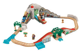 thomas friends wooden railway pirate cove discovery set